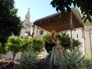 La tradición de la Virgen de los Reyes