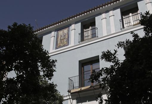 El azulejo del Rey San Fernando, de la Calle Cano y Cueto