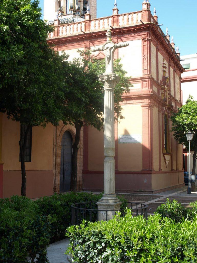 La Cruz de la Plaza Teresa Enríquez