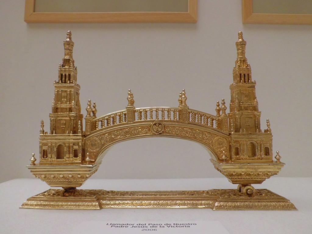 "Exposición ""Monumentos de Sevilla en las Hermandades"""