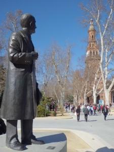 01 Monumento a Aníbal González