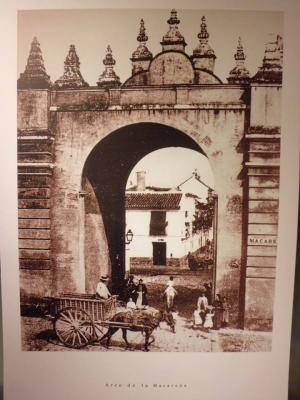 08 Puerta de la Macarena